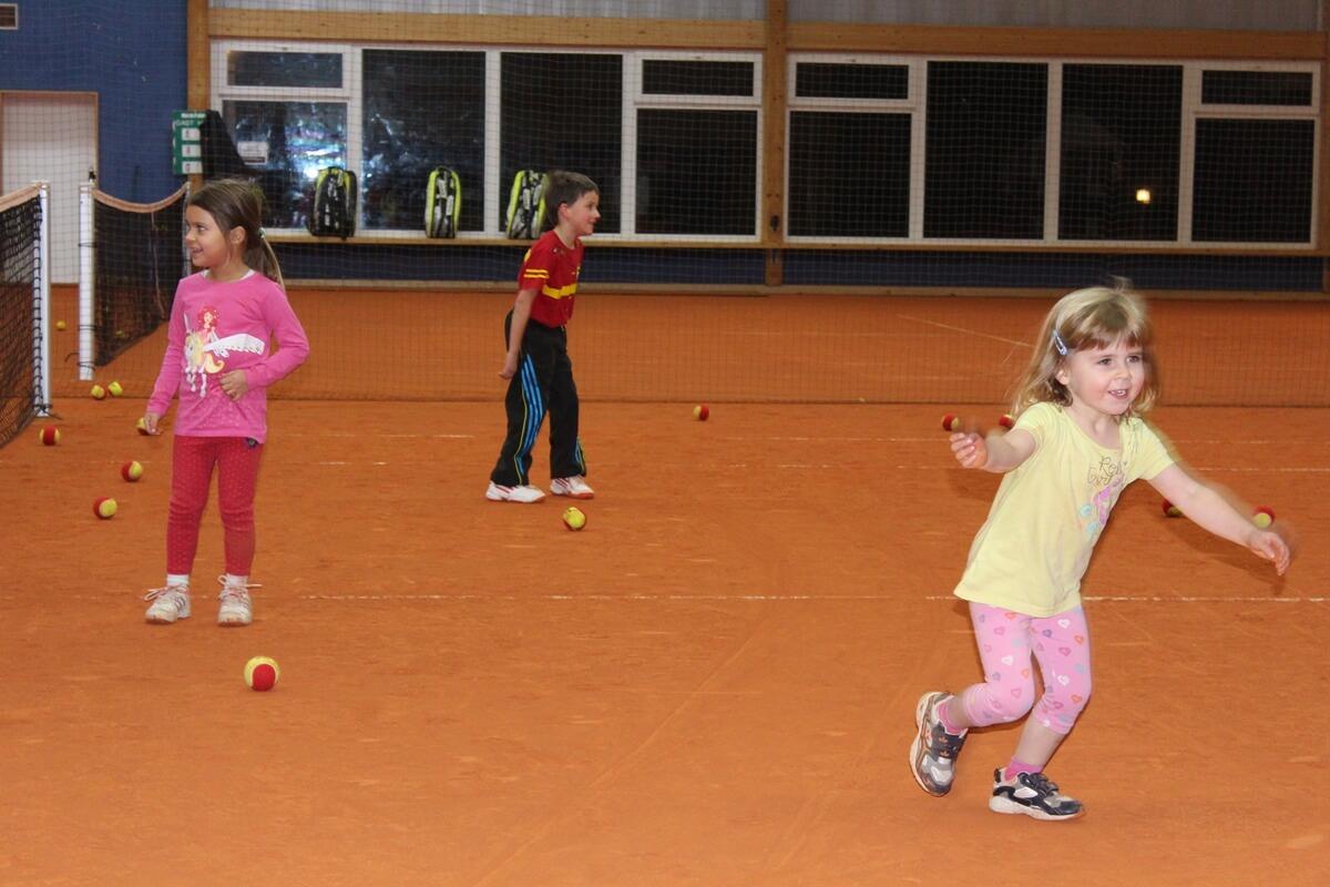 Kinder-Aktion-Halle